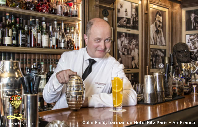 Colin Field, bartender principal do hotel Ritz Paris e Air France