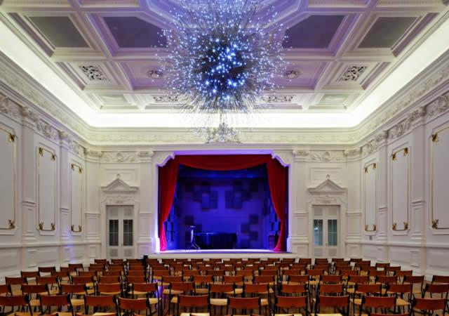 Trechos de óperas, concertos ao ar livre e apresentações de dança de graça na Praça das Artes