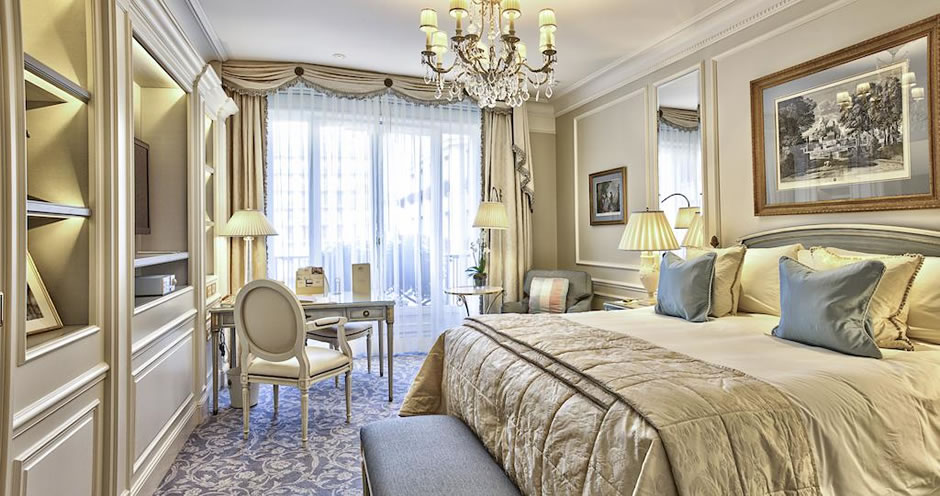 HOTEL GEORGE V - Avenue Gorge, Paris, Hotelaria de Luxo, Luxury Travel