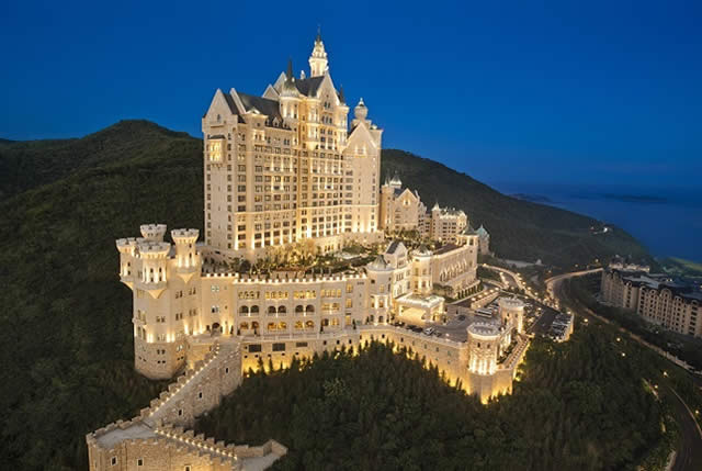 The Castle Hotel, a Luxury Collection Hotel, Dalian - Dalian, China - Hospedagem - Castelo - Castle - Turismo de Luxo - Luxury Travel - Castles - Castillo