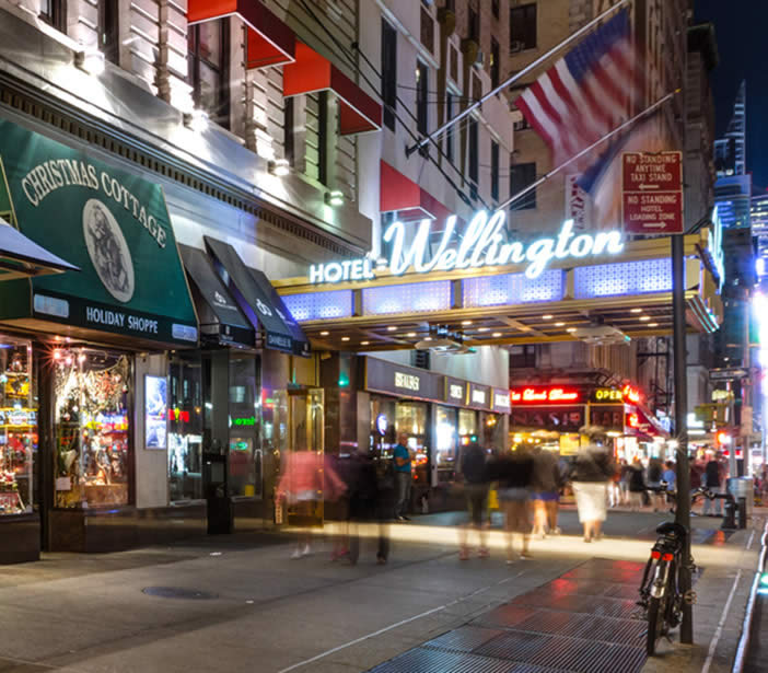 WELLINGTON HOTEL - 7 Th Avenue, New York - Zilda Brandão