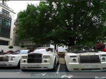 Carros na rua de Dubai - Cars on the streets of Dubai