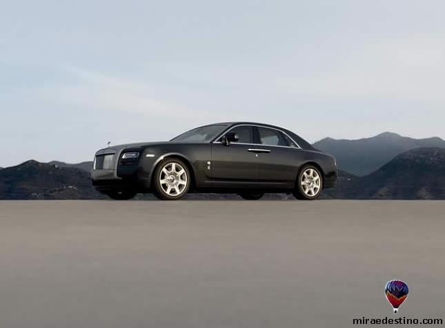 Rolls Royce - novo modelo / New model of Rolls Royce / nouveau modèle de Rolls Royce / nuovo modello di Rolls Royce