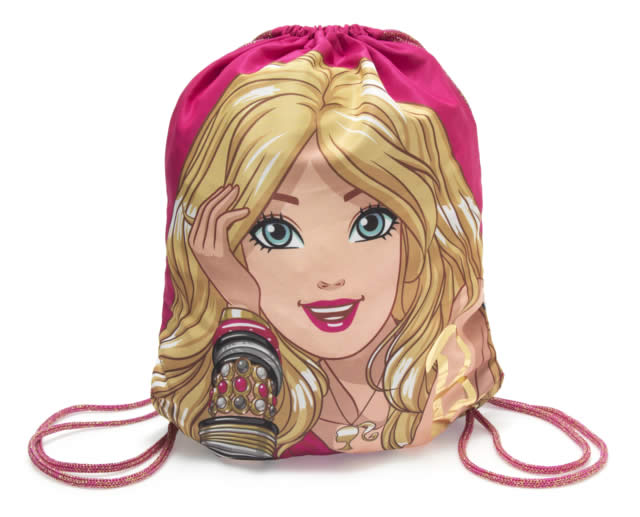 Riachuelo lança coleções Barbie e Hot Wheels