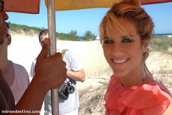 Giovanna Ewbank é a estrela da campanha da City Blue no verão 2011