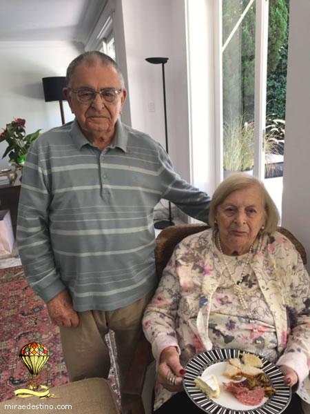 Os 98 anos de Pascoal na residência de Nenê Coury, Sâo Paulo