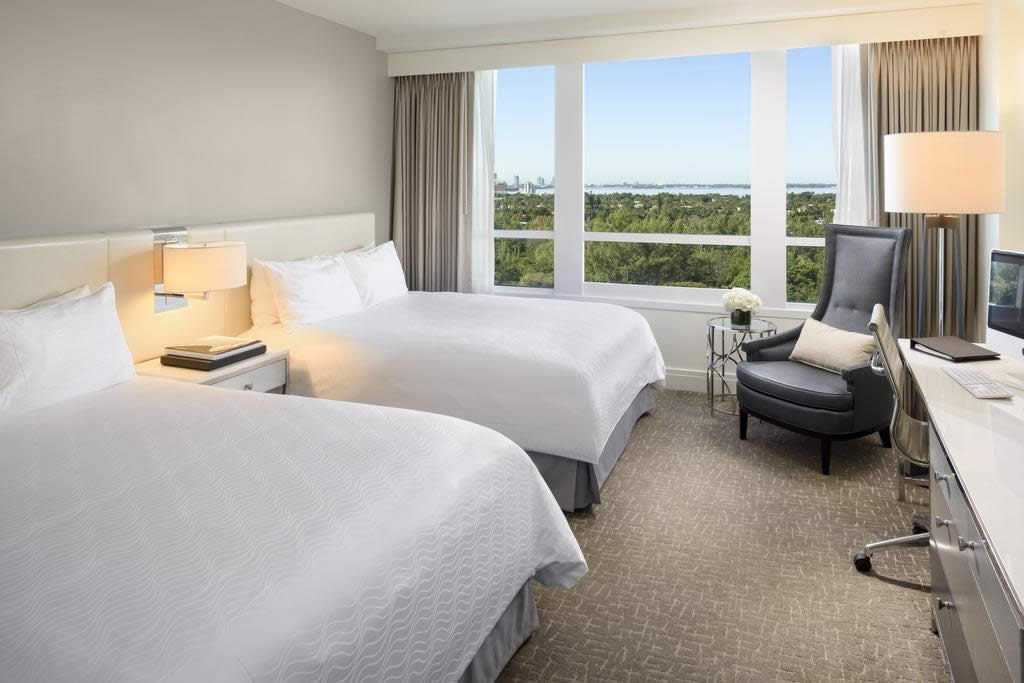 HOTEL FONTAINEBLEAU - Collins Avenue, Miami Beach